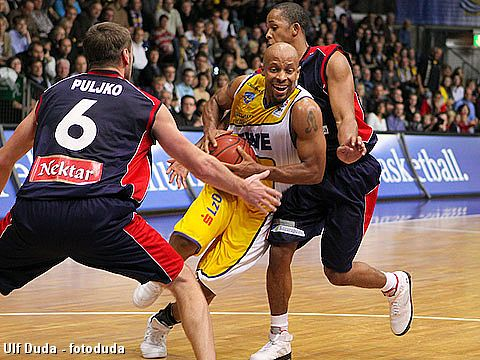 11. Jason Gardner (EWE Baskets )