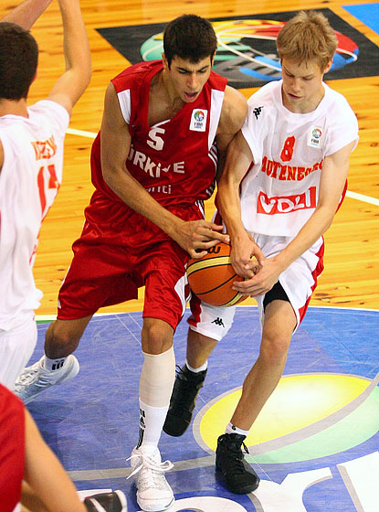 Mihailo Kasalica (Montenegro)and  Erbil Eroglu (Turkey)