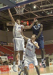 Marco Belinelli (left) had 22 points and 8 rebounds against France
