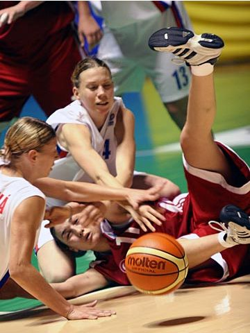 U16 European Championship Women 2005 - Czech and Turksh teams