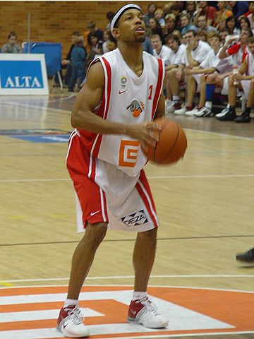 Maurice Whitfield (Cez Basketball Nymburk)