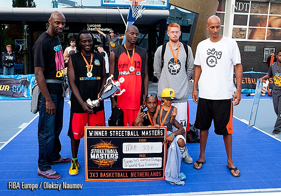St4R Ballers Old Skool - winners of Elite Men category. They beat Magazine Streetball 15:10 in the final