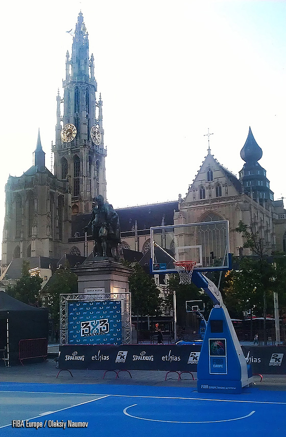 The Cathedral of Our Lady (Dutch: Onze-Lieve-Vrouwekathedraal) - the tallest building in the city with Peter Paul Rubens monument overseeing the entire event at the foreground