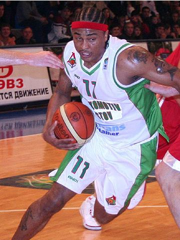 Omar Shariff Sneed (Lokomotiv Rostov)