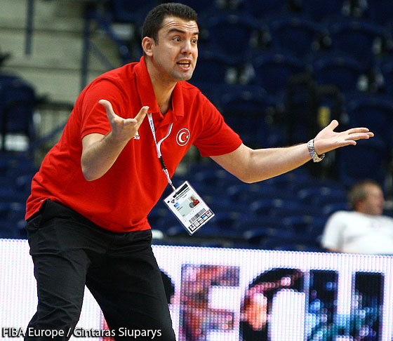 Coach Omer Ugurata (Turkey)