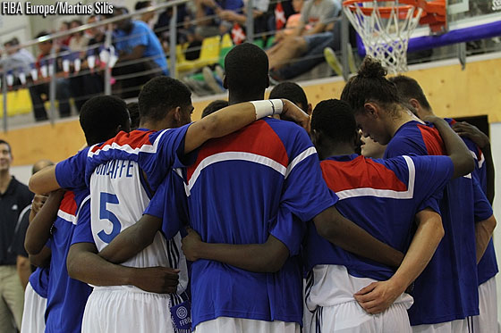 France team huddle before the start of the game