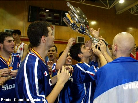 Serbia and Montenegro celebrate with the 2003 European Championship for U16 Boys trophy