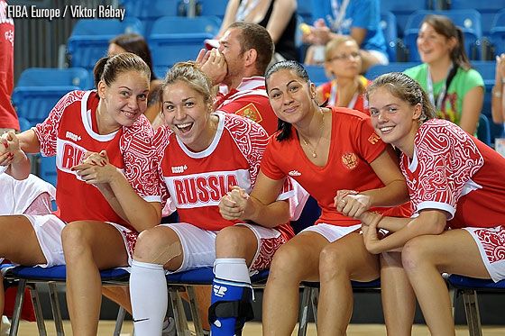 The Russian players await the final whistle of the Semi-Final against the Netherlands