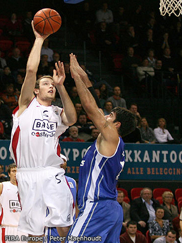 Nick Fazekas (Base Oostende)