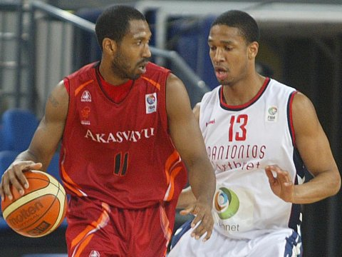 Marvis Thornton (Akasvayu) and Kennedy Winston (Panionios)
