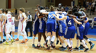 France celebrate moving onto the gold medal game