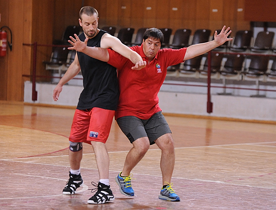 Saso Filipowski helping out at the annual FIBA Europe referee's clinic