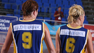 Elin (left) and Frida Eldebrink (Sweden)