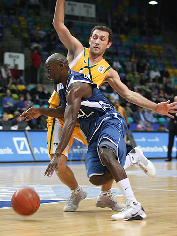 Lorenzo Gordon (D. Bank Skyliners)