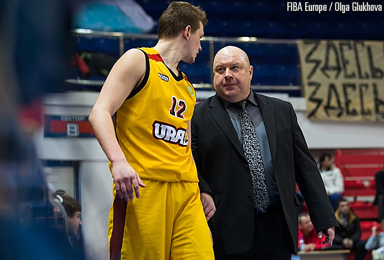 Ural Ekaterinburg forward Dmitrii Arteshin takes advice from head coach Oleg Okulov