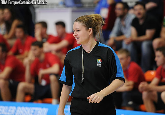 Australian referee Vanessa Devlin at the U18 European Championship