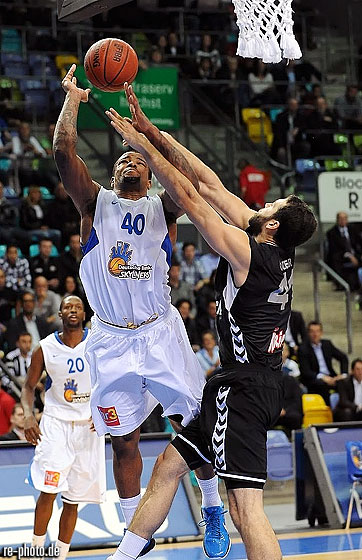 40. Ajene Moye (D. Bank Skyliners)