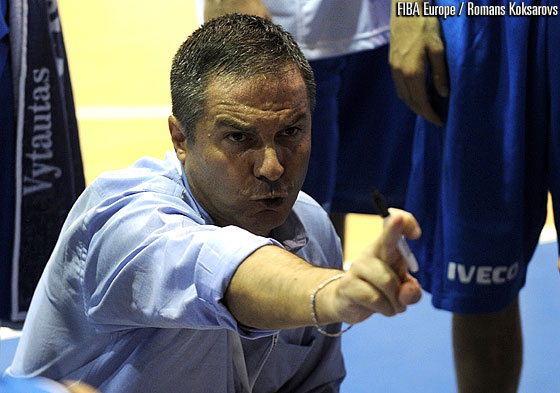 Italy head coach Antonio Bocchino