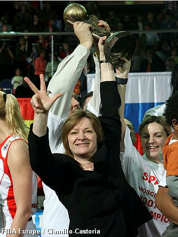 Natalia Hejkova celebrates her third EuroLeague Women title.