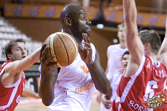 Francisco Elson suited up for the Netherlands once more this summer, playing in the Qualification Round for EuroBasket 2013. In 2007, he had become the first Dutch-born player to win the NBA title, being crowned champion with the San Antonio Spurs.