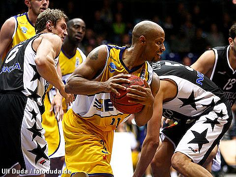 Jason Gardner (EWE Baskets )