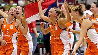 The Netherlands celebrate winning bronze and promotion to Division A