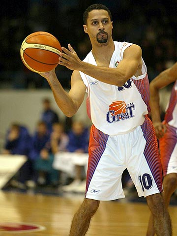 Mahmoud Abdul-Rauf scored 16 points in his first game for Ural Great Perm