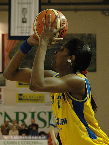 Donnette Snow (Basket Parma)