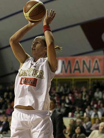 11. Jenifer Nadalin (Umana Reyer)