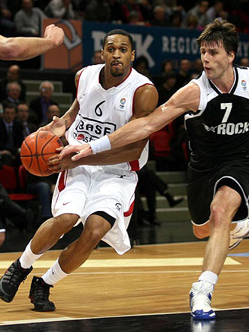 6. Robert Hite (Base Oostende)