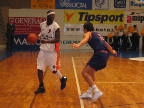 Curtis Bobb (Mlekarna Kunin) had 20 points, 5 rebounds and 4 assists.