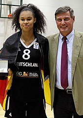 Tournament MVP Satou Sabally (Germany)