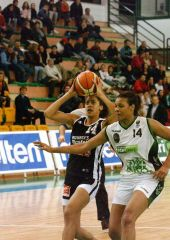 Bourges center Emmeline Ndongue beats Kelly da Santos to the rim
