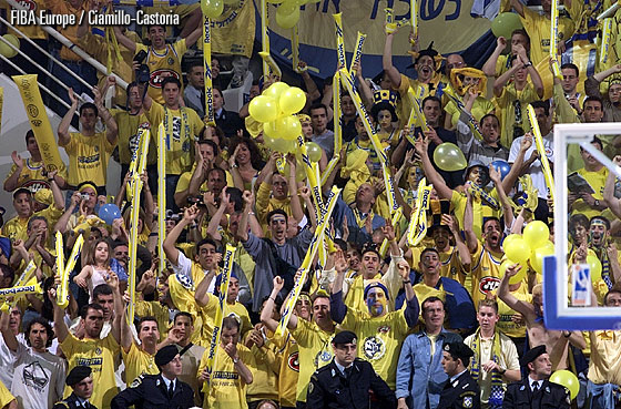 Maccabi fans during the 2000-01 SuproLeague season