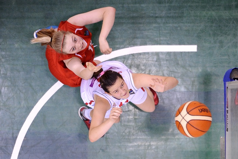 13. Marta Vulovic (Serbia), 15. Milly Knowles (England)